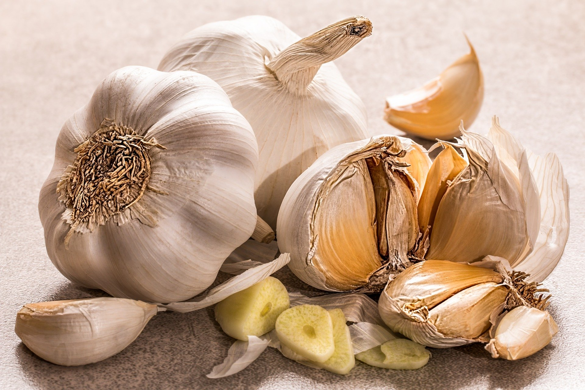 Garlic benefits for women(2020)